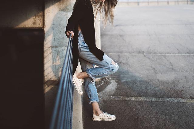 Trendy roztrhané džíny