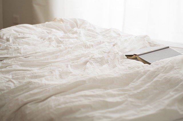 četba v posteli